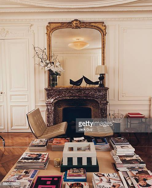 Fashion designer Marc Jacobs's home is photographed for InStyle Magazine in New York City Living room at the home of fashion designer Marc Jacobs
