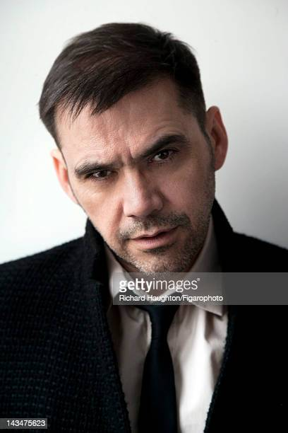 Fashion designer Roland Mouret poses for Madame Figaro on November 25 2010 in London England PUBLISHED IMAGE Figaro ID 099440002 CREDIT MUST READ...
