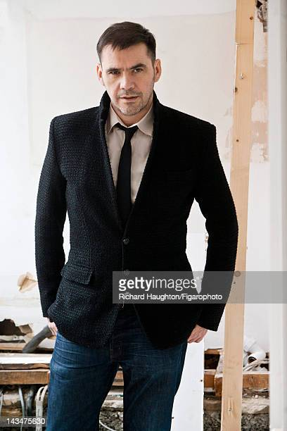 Fashion designer Roland Mouret poses for Madame Figaro on November 25 2010 in London England Figaro ID 099440015 CREDIT MUST READ Richard...