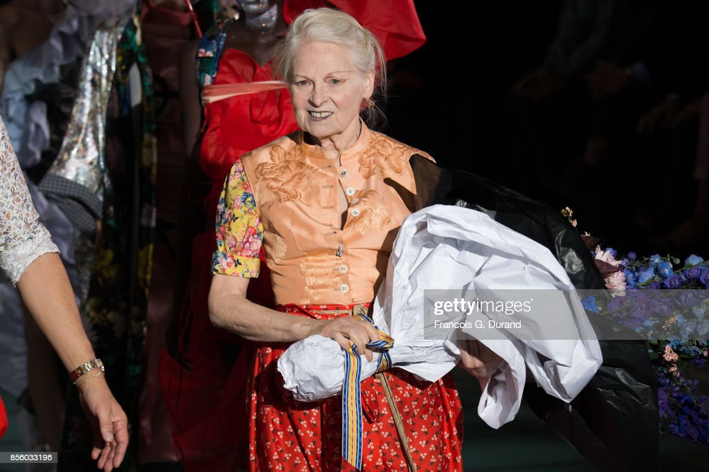 Vivienne Westwood : Runway - Paris Fashion Week Womenswear Spring/Summer 2018