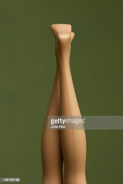 fashion dolls legs pointing up