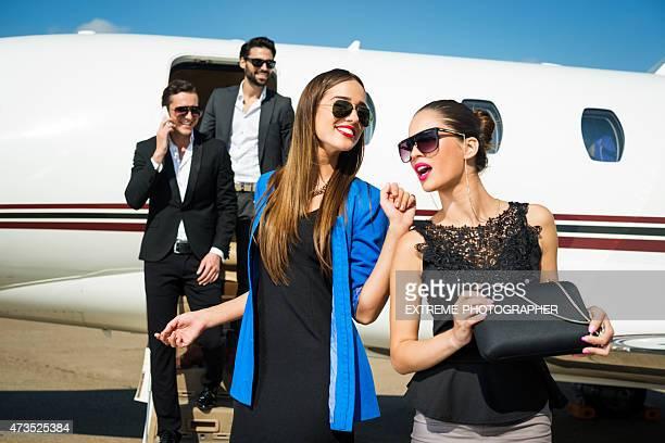 Moda persone in aereo uscita