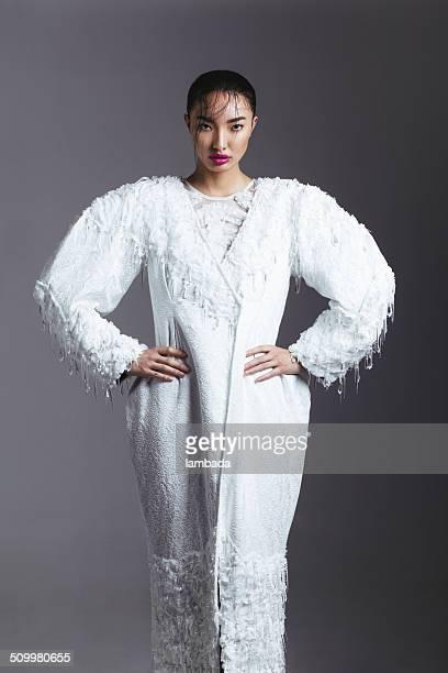 Femme asiatique à la mode