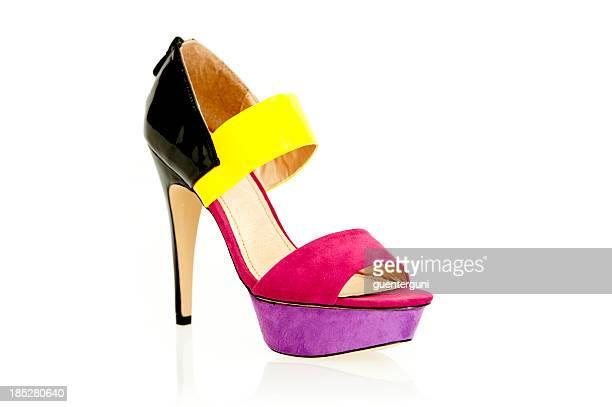 Sandália de salto alto moda em cores modernas