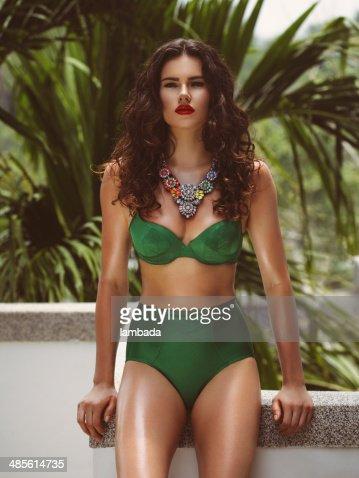 Moda mujer en bikini