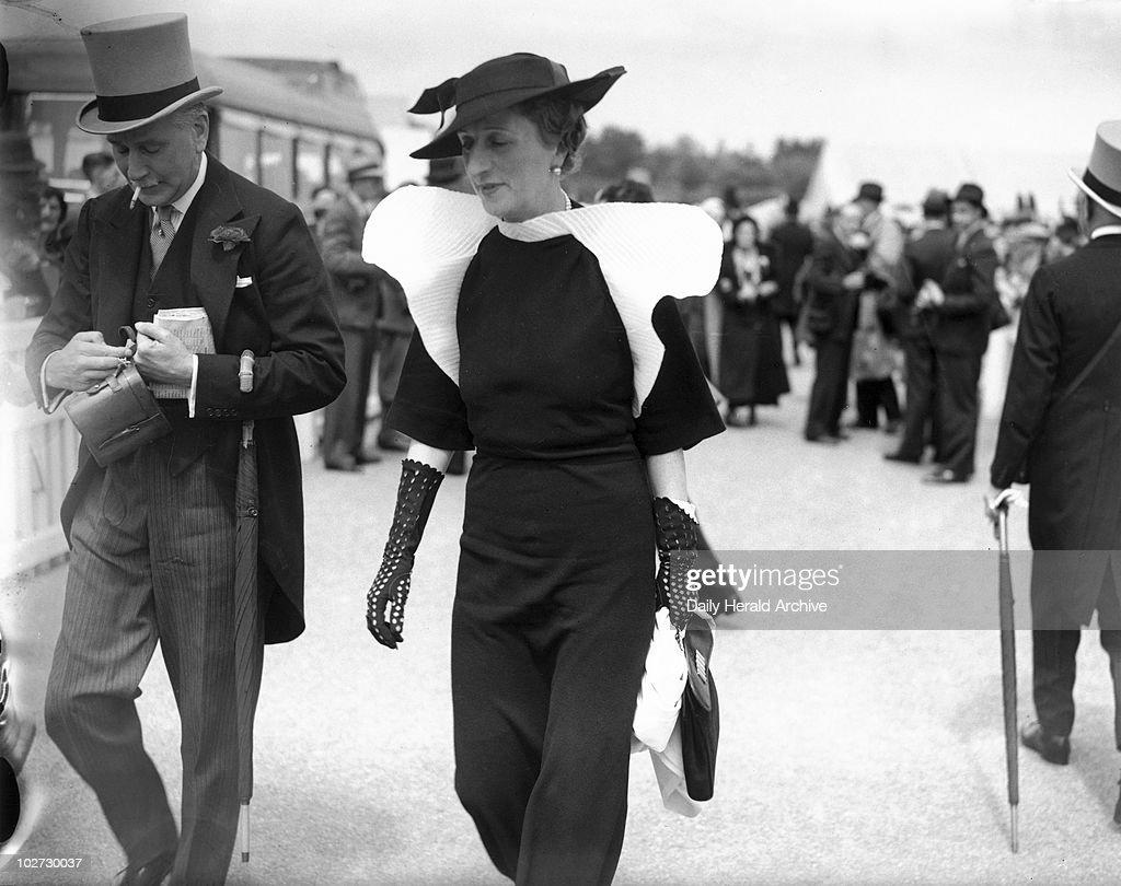 Black gloves races - Fashions At The Royal Ascot Races Berkshire 16 June 1936 A Couple
