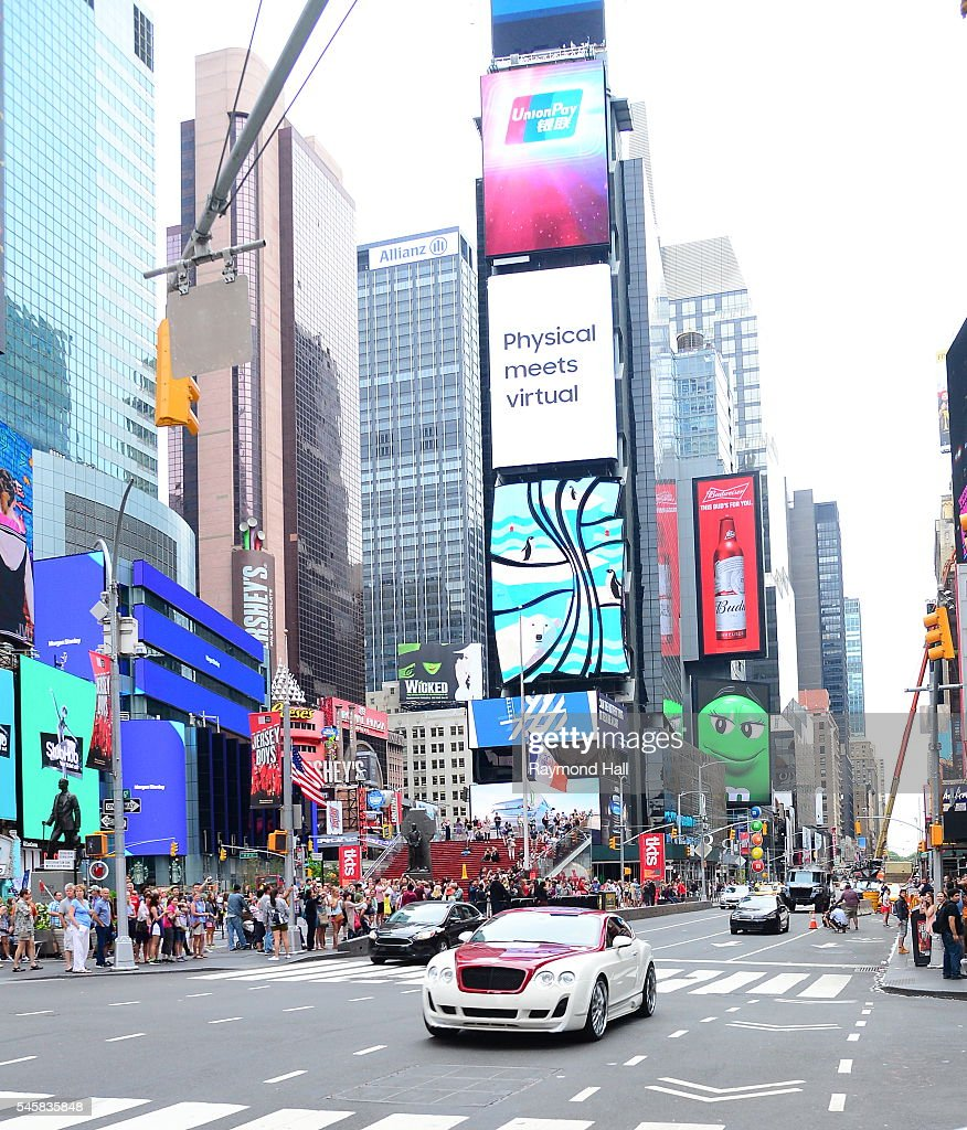 15 Hot Spots for Celebrity Sightings in New York City ...