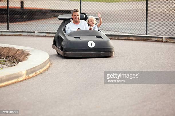 Père et fille équitation en Circuit Go Kart