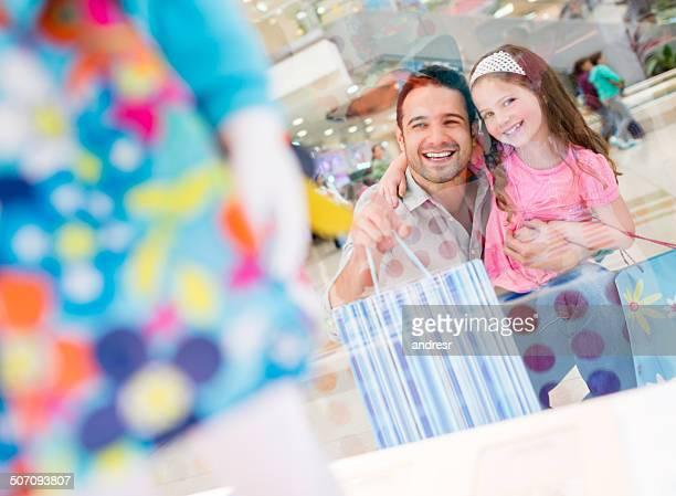 Vater und Tochter-shopping