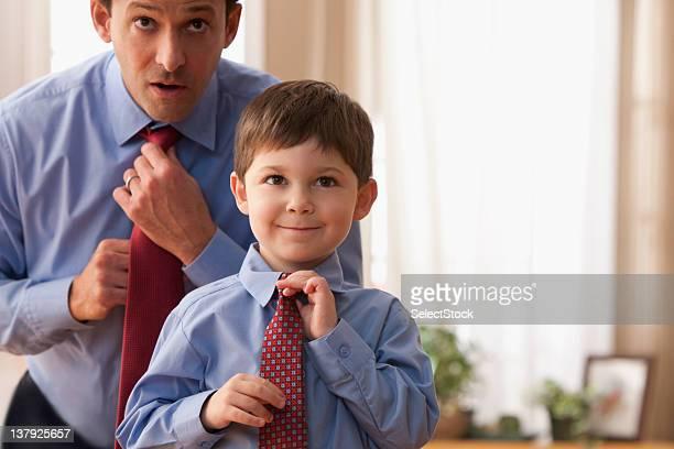 Père et fils de fixation des liens ensemble