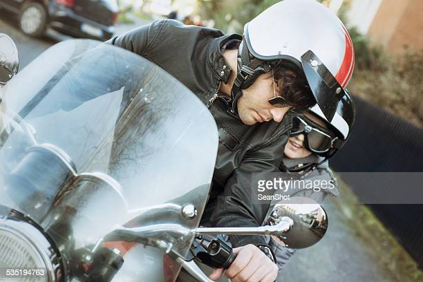 Pai e filho na crista Motorizada