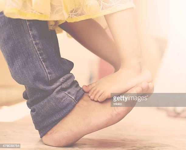 Père et sa fille danse