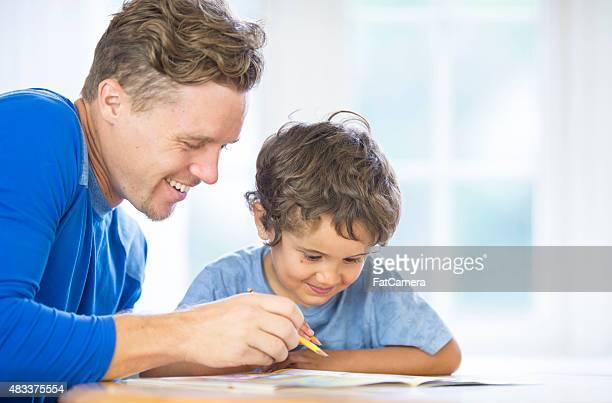 Père de son fils homeschooling