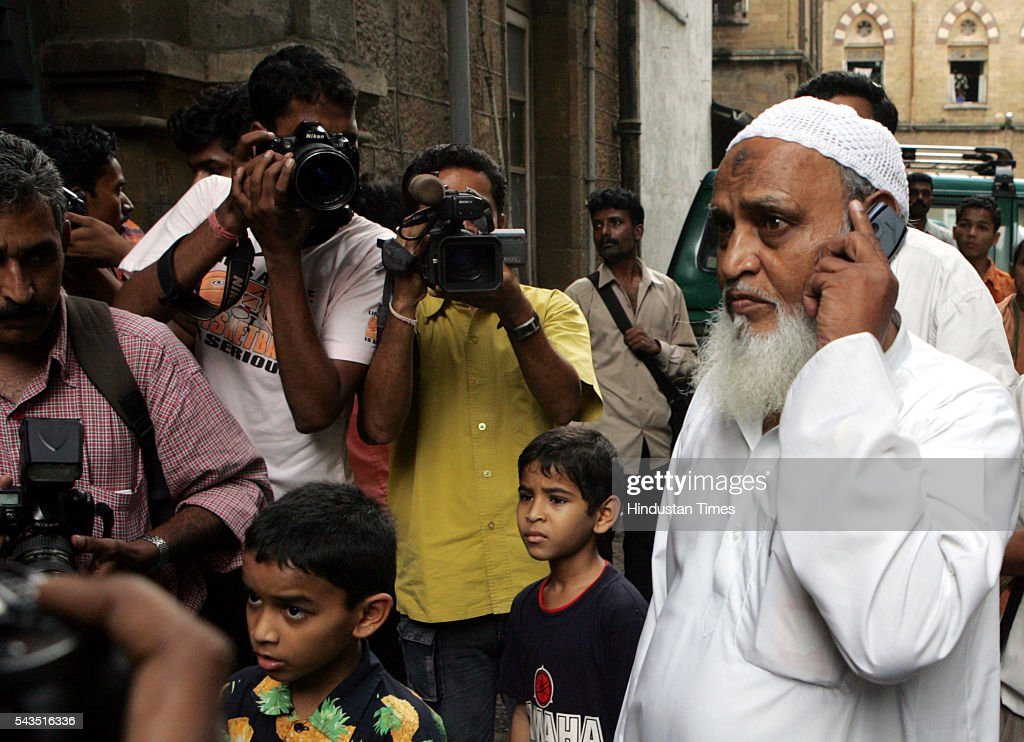 Father of suspected Al-Qaeda operative Mohammad Afroze at Session's court on July 22, 2005 in Mumbai, India.