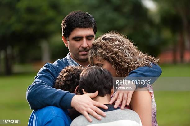Pai proteger a sua família