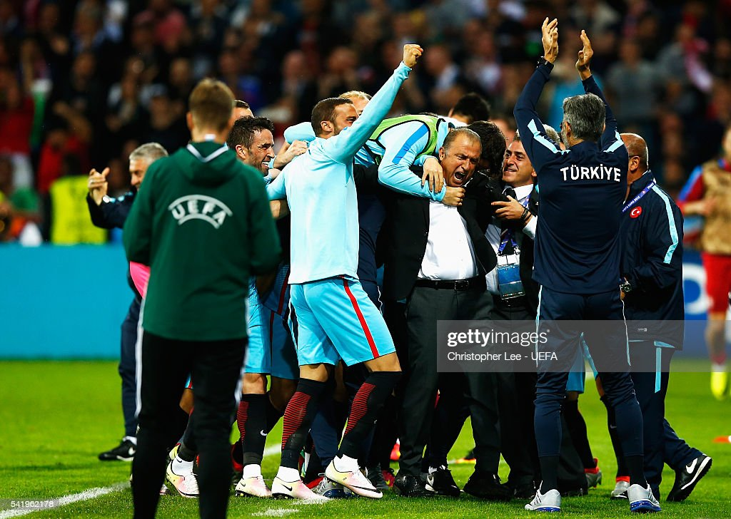 <a gi-track='captionPersonalityLinkClicked' href=/galleries/search?phrase=Fatih+Terim&family=editorial&specificpeople=602376 ng-click='$event.stopPropagation()'>Fatih Terim</a> head coach of Turkey celebrates his team's second goal during the UEFA EURO 2016 Group D match between Czech Republic and Turkey at Stade Bollaert-Delelis on June 21, 2016 in Lens, France.