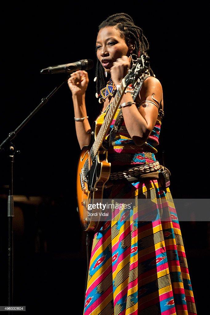 <a gi-track='captionPersonalityLinkClicked' href=/galleries/search?phrase=Fatoumata+Diawara&family=editorial&specificpeople=6928565 ng-click='$event.stopPropagation()'>Fatoumata Diawara</a> performs on stage during Festival Internacional de Jazz de Barcelona at Barts on November 8, 2015 in Barcelona, Spain.