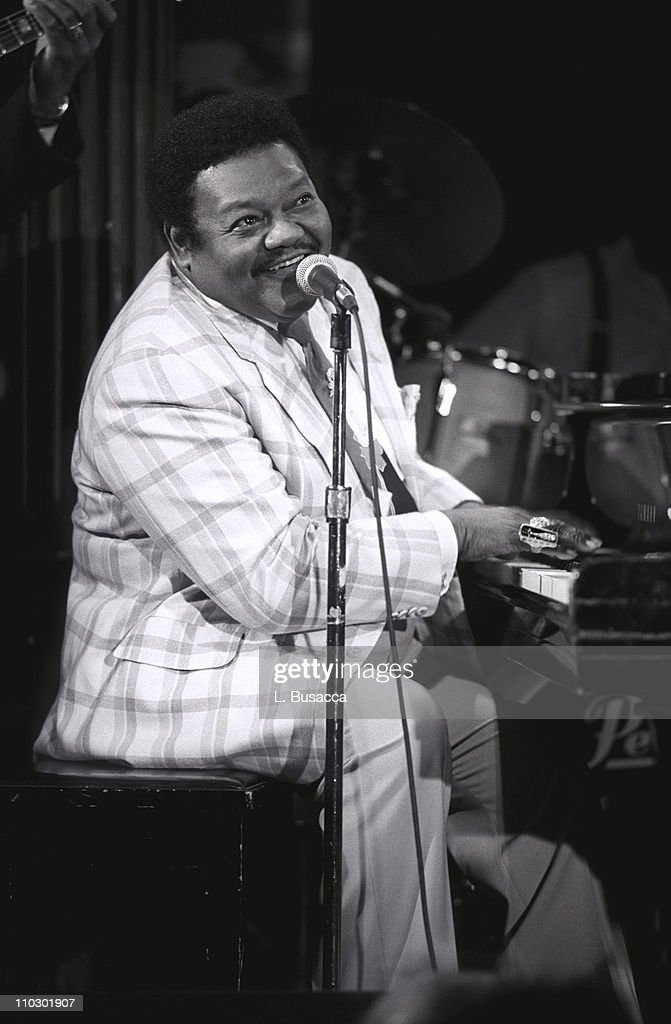 fats-domino-during-fats-domino-preforms-at-emi-legends-of-rock-n-roll-picture-id110301907 (671×1024)