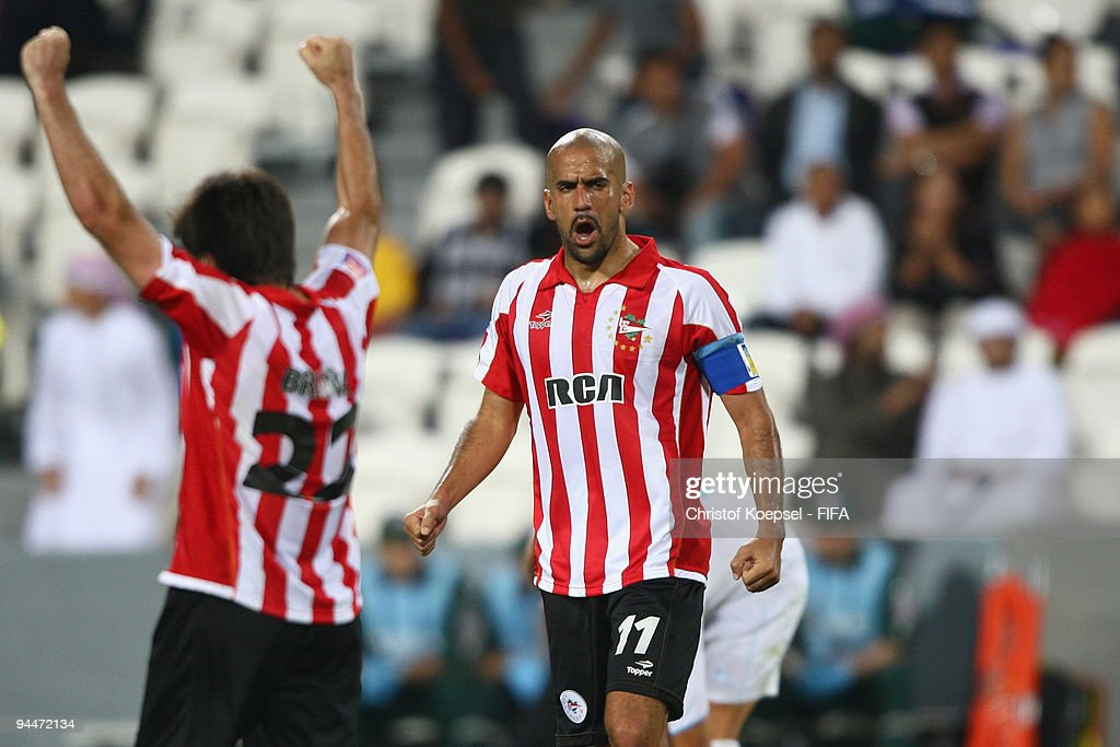 Pohang Steelers v Estudiantes LP - FIFA Club World Cup 2009