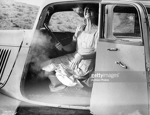 Faye Dunaway being shot in a scene from the film 'Bonnie And Clyde' 1967