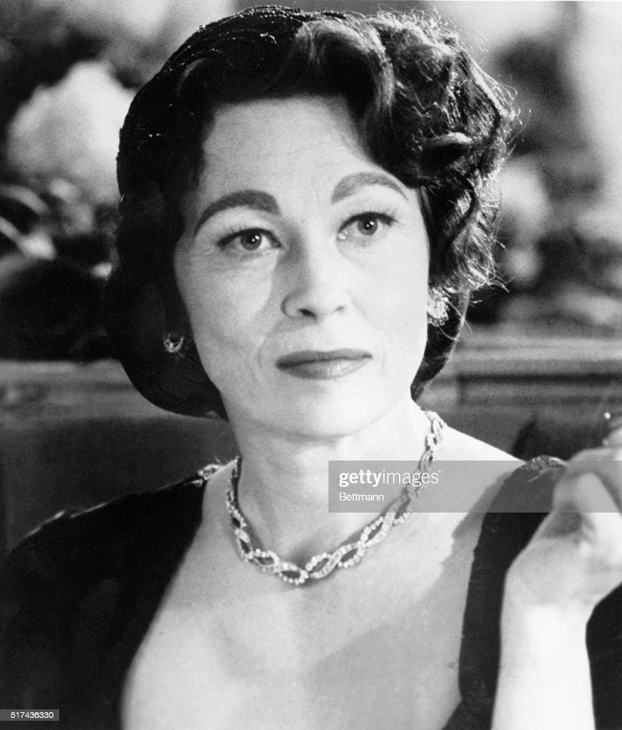 Faye dunaway network - Faye Dunaway Stars As Actress Joan Crawford In The Motion Picture Based On The Book Written