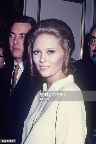 Faye Dunaway wearing a white blouse closeup circa 1970 New York