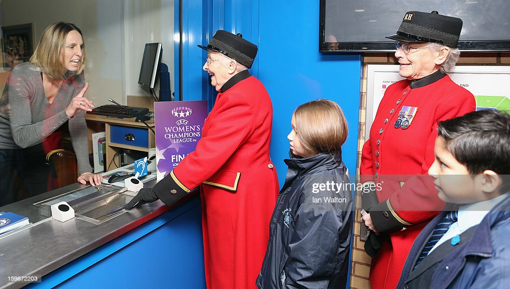 <a gi-track='captionPersonalityLinkClicked' href=/galleries/search?phrase=Faye+White&family=editorial&specificpeople=171388 ng-click='$event.stopPropagation()'>Faye White</a> chats with Chelsea Pensioners and children during the ticket launch UEFA Women's Champions League Final at Stamford Bridge on January 22, 2013 in London, England.