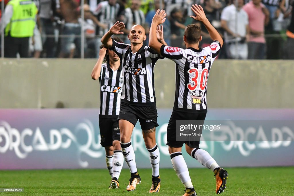 Fbio Santos #6 of Atletico MG celebrates a scored goal against Sao Paulo during a match betwee Atletico MG and Sao Paulo as part of Brasileirao Series A 2017 at Independencia stadium on October 11, 2017 in Belo Horizonte, Brazil.