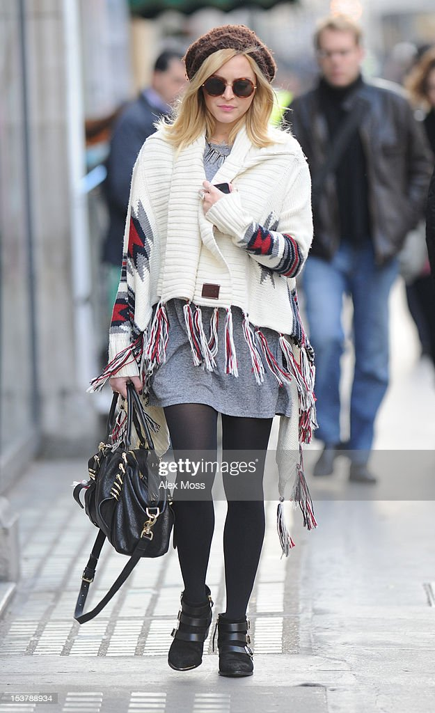 <a gi-track='captionPersonalityLinkClicked' href=/galleries/search?phrase=Fearne+Cotton&family=editorial&specificpeople=211497 ng-click='$event.stopPropagation()'>Fearne Cotton</a> Arrives At BBC Radio 1 on October 9, 2012 in London, England.