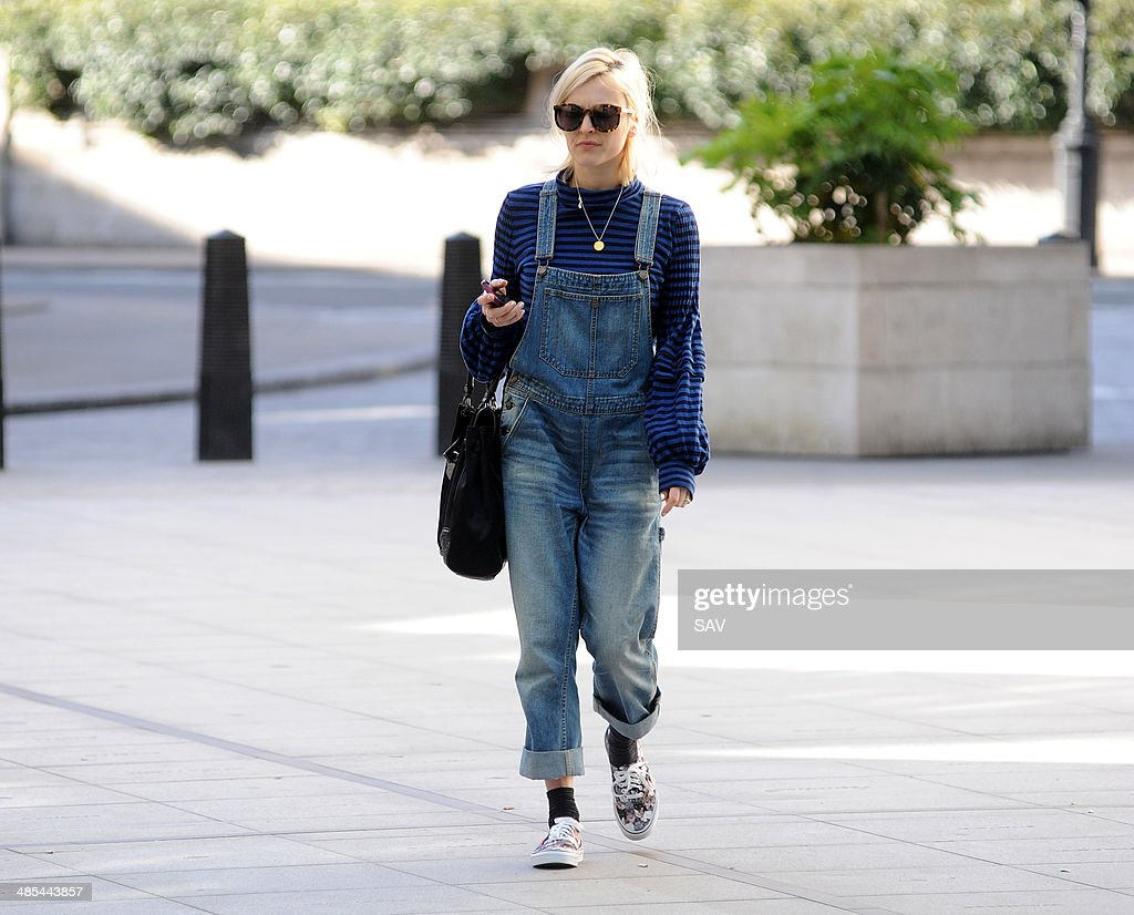 <a gi-track='captionPersonalityLinkClicked' href=/galleries/search?phrase=Fearne+Cotton&family=editorial&specificpeople=211497 ng-click='$event.stopPropagation()'>Fearne Cotton</a> arrives at Radio 1 on April 18, 2014 in London, England.
