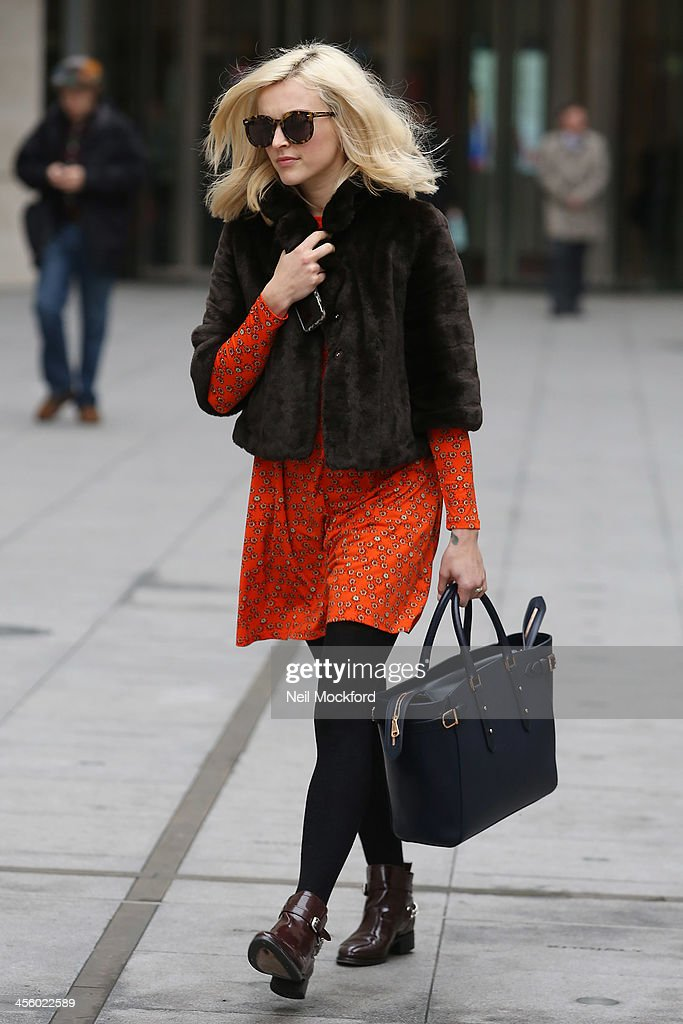 <a gi-track='captionPersonalityLinkClicked' href=/galleries/search?phrase=Fearne+Cotton&family=editorial&specificpeople=211497 ng-click='$event.stopPropagation()'>Fearne Cotton</a> leaving BBC Radio One with her new engagement ring on December 13, 2013 in London, England.