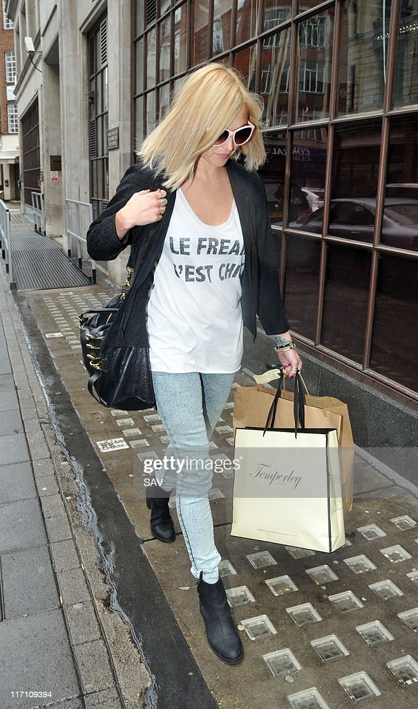 <a gi-track='captionPersonalityLinkClicked' href=/galleries/search?phrase=Fearne+Cotton&family=editorial&specificpeople=211497 ng-click='$event.stopPropagation()'>Fearne Cotton</a> leaving the Radio 1 studios on June 22, 2011 in London, England.
