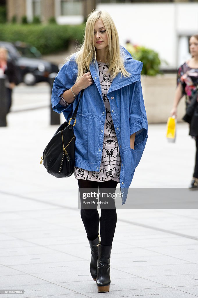 <a gi-track='captionPersonalityLinkClicked' href=/galleries/search?phrase=Fearne+Cotton&family=editorial&specificpeople=211497 ng-click='$event.stopPropagation()'>Fearne Cotton</a> sighted at BBC Radio Studios on September 26, 2013 in London, England.