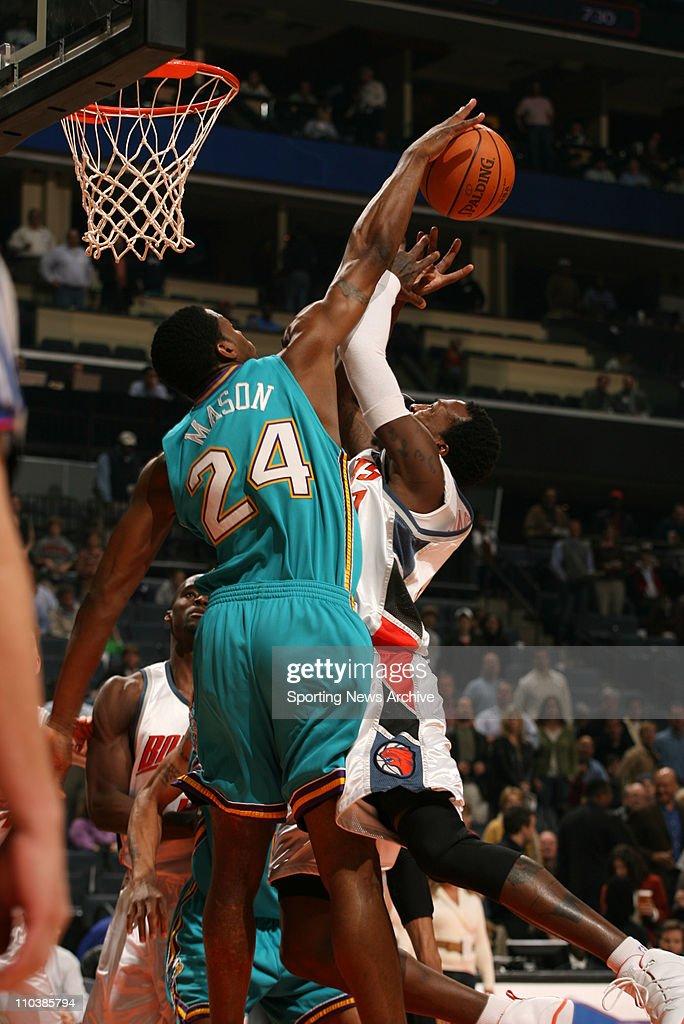 Feb 20 2007 Charlotte NC USA New Orleans/Oklahoma City Hornets DESMOND MASON against Charlotte Bobcats GERALD WALLACE on Feb 20 at the Charlotte...