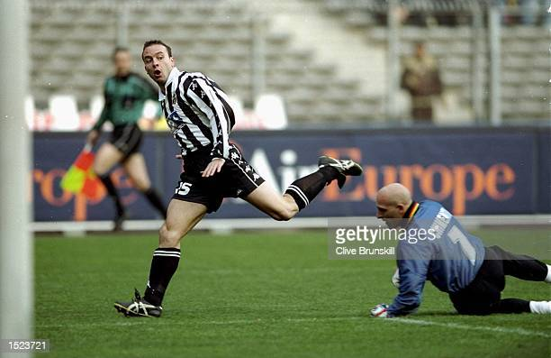 Alessandro Birindelli of Juventus in action during the Italian Serie A game between Juventus and Lecce at the Stadio Delle Alpi in Turin Italy The...