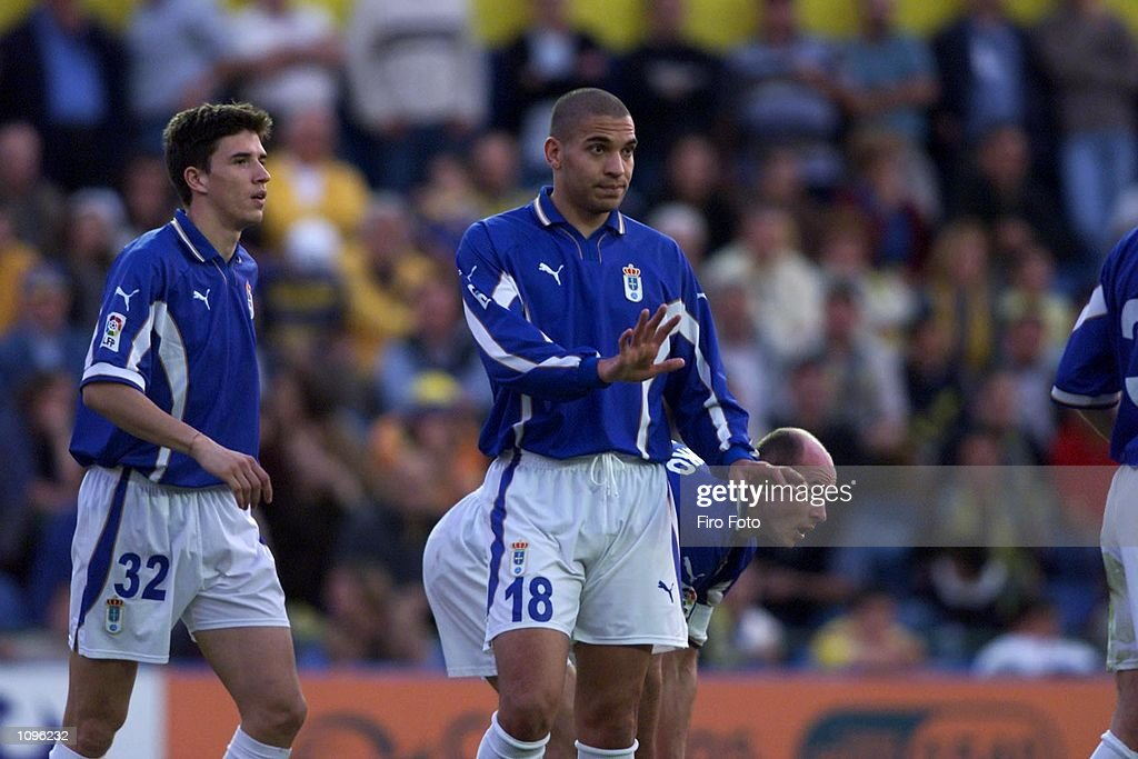 Stan Collymore makes his debut for Oviedo during the Primera Liga match between Las Palmas and Real Oviedo at the Estadio Insular Las Palmas...