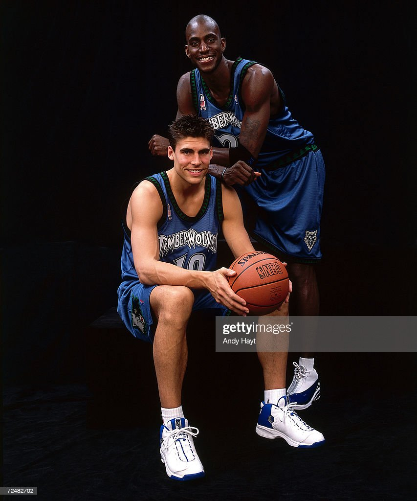 Kevin Garnett & Wally Szczerbiak pose for a portrait