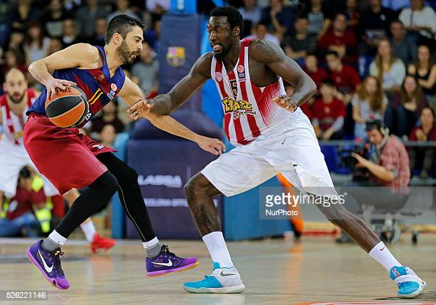 Juan Carlos Navarro and Othello Hunter during the match beetwen FC Barcelona and Olympiakos corresponding to the week 8 of the Top 16 of the...