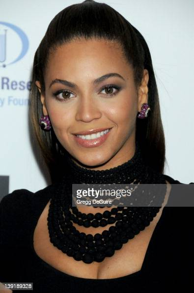 February 10 2009 Beverly Hills Ca Beyonce Saks Fifth Avenue's Unforgettable Evening' Benefiting EIF's Women's Cancer Research Fund Held at the...