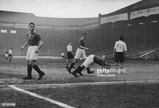 Manchester United players John Aston Allenby Chilton and Warner during a match against Preston North End Original Publication Picture Post 4516 A...