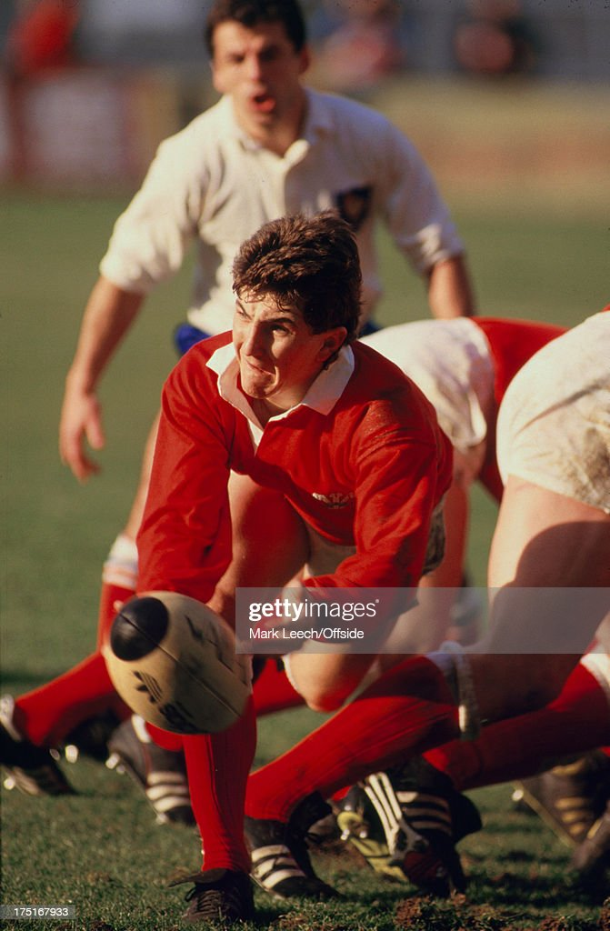 07 February 1987 Paris 5 Nations Rugby France v Wales Welsh scrum half Robert Jones passes the ball from the scrummage