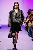 Victoria/Tomas : Runway - Paris Fashion Week Womenswear...
