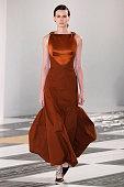 Loewe : Runway - Paris Fashion Week Womenswear...