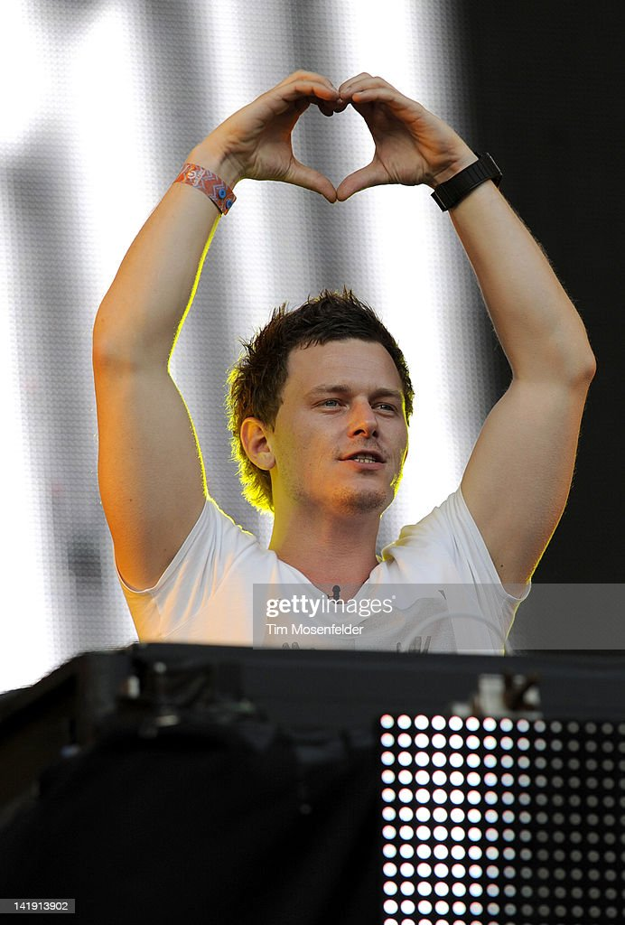 Fedde Le Grand performs as part of Day Three of Ultra Music Festival 14 at Bayfront Park on March 25, 2012 in Miami, Florida.