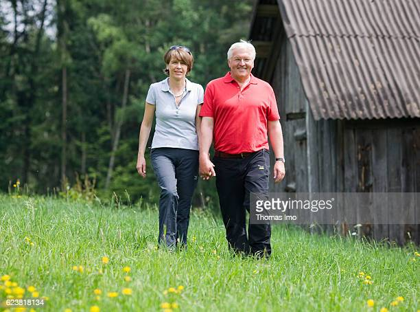 Federal Foreign Minister FrankWalter STEINMEIER SPD with his wife Elke BUEDENBENDER on vacation in South Tyrol on July 20 2009 in Oberbozen Italy