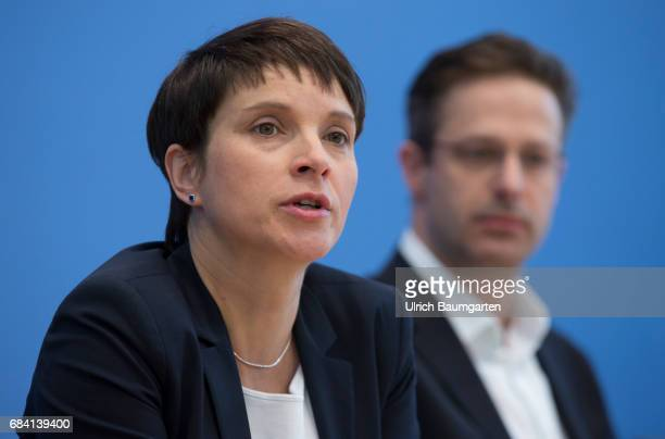 Federal Press Conference in Berlin Frauke Petry spokeswoman of the AfD and her husband Marcus Pretzell AfD party chairman in NRW