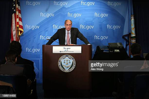 S Federal Trade Commission Chairman Jon Leibowitz speaks during a news conference regarding the agency's 21monthlong investigation on Google January...