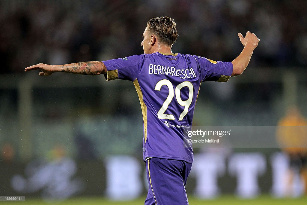 Federico Bernardeschi of ACF Fiorentina celebrates after scoring a goal during the UEFA Europa League group K match between ACF Fiorentina and EA...