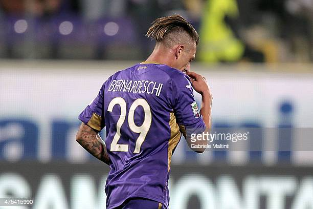 Federico Bernardeschi of ACF Fiorentina celebrates after scoring a goal during the Serie A match between ACF Fiorentina and AC Chievo Verona at...