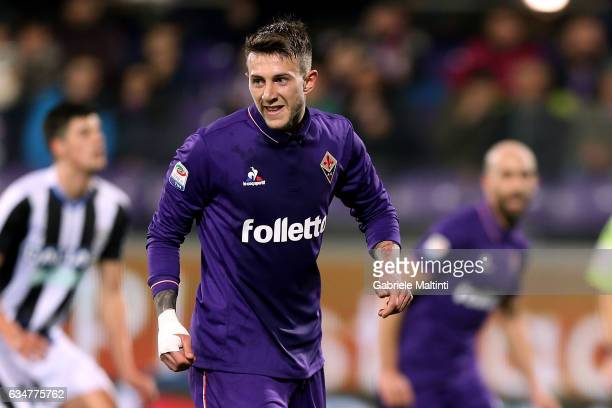 Federico Bernardeschi of ACF Fiorentina celebrates after scoring a goal during the Serie A match between ACF Fiorentina and Udinese Calcio at Stadio...